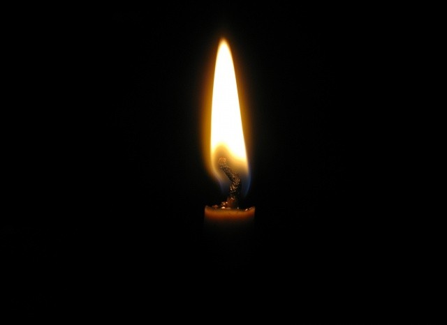 candle_light_2-wallpaper-640x480